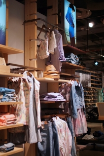 LEVI'S FLAGSHIP STORE CHAMPS-ELYSEES